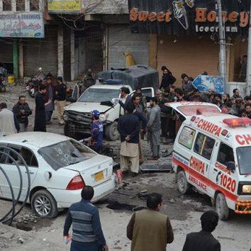 পাকিস্তানে আত্মঘাতী হামলা, পুলিশসহ নিহত ১০, আহত  হয়েছেন ৩৫ জন।